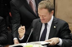 02.03.12 Tusk pospisuje pakt fiskalny w interesie najbogatszych Polaków i Europejczyków.
