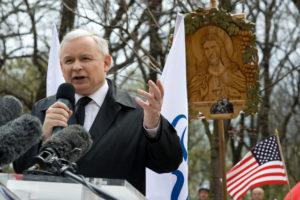 Cały Kaczyński. Cyniczne granie religią i służalczość wobec USA.