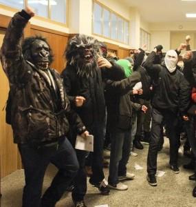 20.02.13 Faszystowskie małpy na UW.