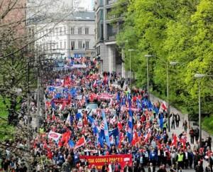 1 Maja 2013 Warszawa. Ze związkowcami warto być – z Millerem nie.