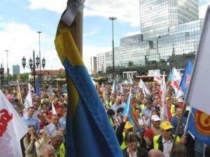 14.05.13 Warszawa. Protest pracowników komunikacji miejskiej (patrz s. 9). Radni powinni wspierać takie protesty - a ilu to robi?