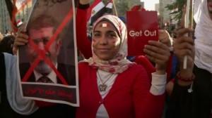 30.06.13 Egipt. Kobieta protestuje
