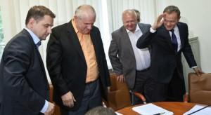 26.06.2013 Piotr Duda (Solidarność), Jan Guz (OPZZ)  i Tadeusz Chwałka (Federacja Związków Zawodowych) opuścili obrady Komisji Trójstronnej.  Donald Tusk próbuje obrócić wszystko w żart. Na jak długo?