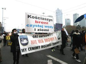 """16.11.13 Warszawa. Międzynarodowy """"Marsz dla Klimatu i Sprawiedliwości Społecznej""""."""