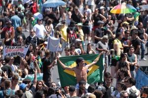 06.2013 Protestujący w Brazylii.