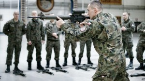 Polscy żołnierze jadą na Ukrainę.