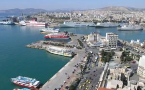 Grecki rząd chce sprzedać port w Pireusie.