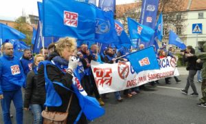 18.04.2015 Demonstracja OPZZ Dosc.umow smieciowych