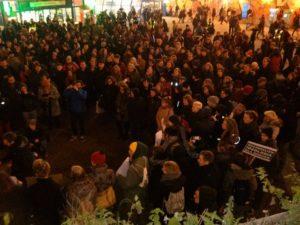 """22.12.15 Antyrasistowski wiec na warszawskiej """"Patelni""""."""