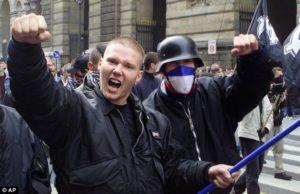 Zwolennicy Frontu Narodowego.