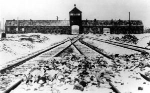 Styczeń 1945 r. Nazistowski obóz zagłady Auschwitz-Birkenau.