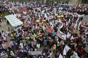 18.04.15 Demonstracja ZNP w Warszawie.